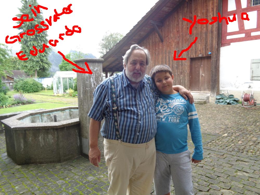 Yoshua mit seinem Grossvater Eduardo